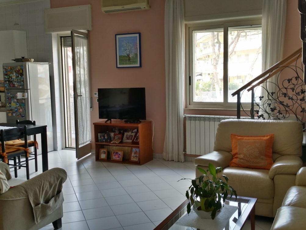 Via Vicinale Paradiso, 4 vani e 2 acc, terrazzo copertura – Home ...