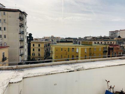 Materdei, 3 vani con terrazzino, locato